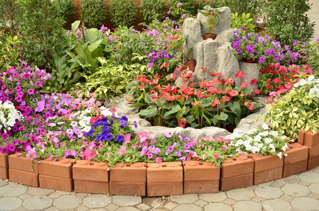 esquineros de flores: Hermosa flor esquina en el piso