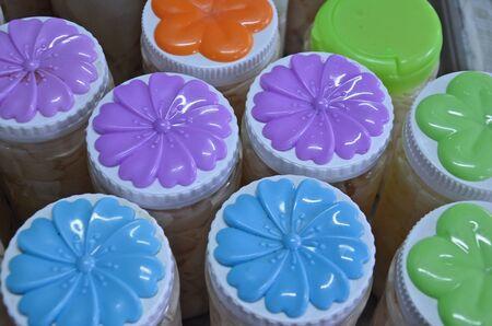 lids: Color flower pattern on plastic lids