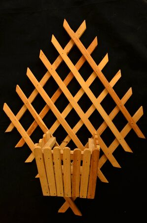 lath: Wood pot and lath for ornament