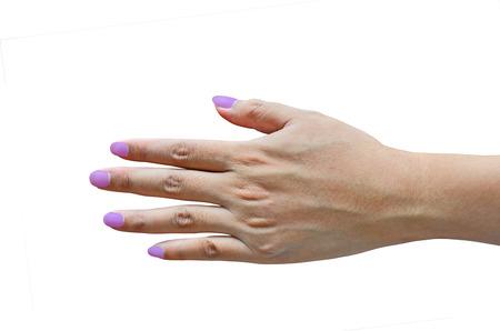 dedo meÑique: Delgado dedos con uñas violetas sobre fondo blanco