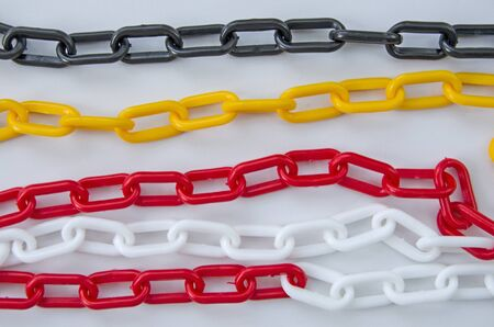 Colored pattern of plastic chain lines