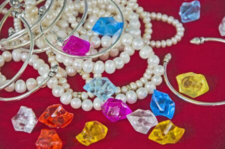Top view of jewelry and bracelets with pearl necklaces Banco de Imagens