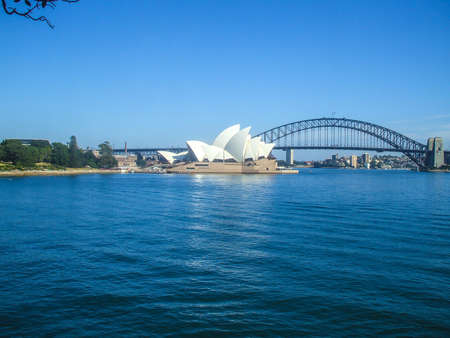ports: Teatro dell'Opera di Sydney Harbour Bridge ponte stradale citt� in Australia Sydney bella casa curva persone Habitat