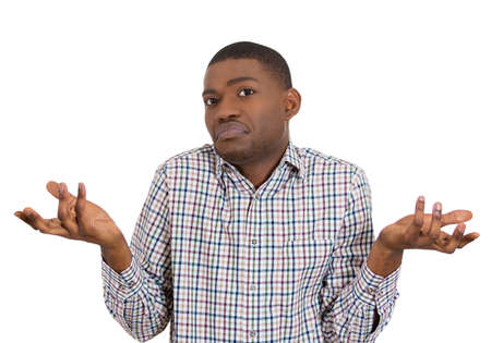 persona confundida: Primer retrato de hombre joven y despistado mudo, brazos preguntando por qu� lo que es el problema a qui�n le importa qu�, no lo s�. Aislado en el fondo blanco. Negativos emoci�n humana sentimientos de expresi�n facial