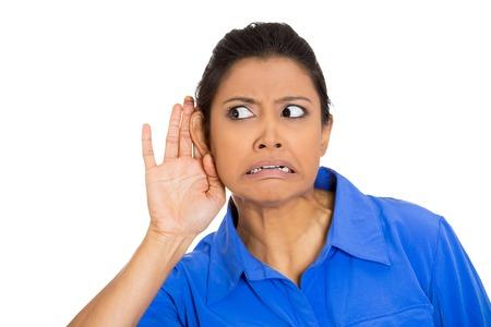 Меняют тампоны женщина от уха до уха пятьдесят