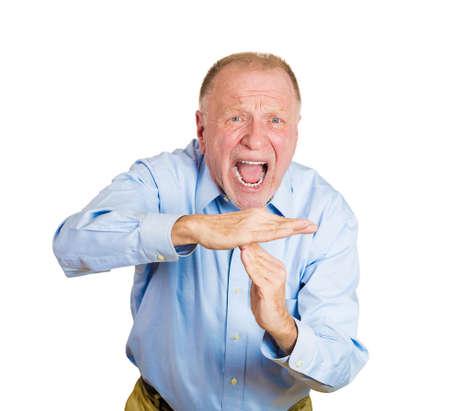 entracte: Gros plan portrait de la haute homme d'affaires d'�ge m�r temps montrant des gestes avec les mains, isol� sur fond blanc. �motions humaines n�gatives, les expressions faciales, les signes, les symboles, le langage du corps, l'attitude
