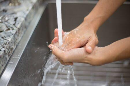 techniek: Close-up portret, met de hand wassen techniek. Houden van de handen vrij van vuil virus bacteriën organismen en microben