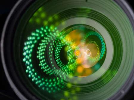 閉じる望遠デジタル一眼レフ レンズのイメージ、光の反射が素晴らしい 写真素材