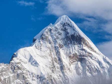 """Gros plan de la Chine Sichuan """"Four Girls Mountain"""" Snow Mountains. Banque d'images - 76070030"""