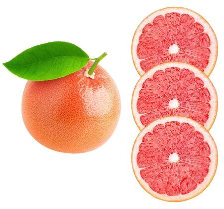 Verzameling van hele grapefruit en plakjes geïsoleerd op een witte achtergrond