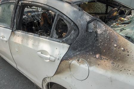 quemado: coche quemado Foto de archivo