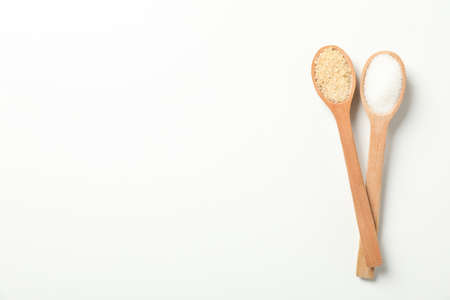Wooden spoons with sugar on white background, top view 스톡 콘텐츠 - 139890227