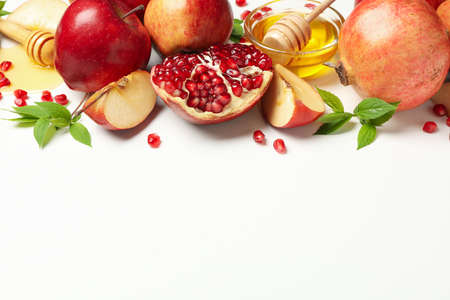 Apple, honey and pomegranate on white background, space for text Banque d'images