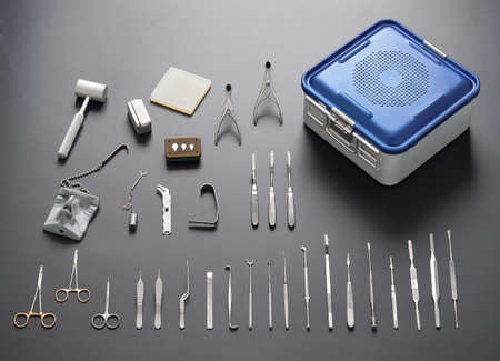 많은 의료 및 수술 도구의 그룹 스톡 콘텐츠