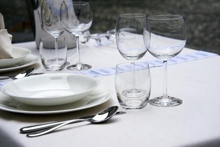 buffet table: Elegant table setting
