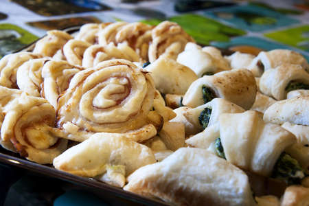 spinage: A plate of puff pastry snack
