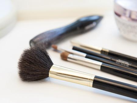 make up brushes: Make up brushes and cream