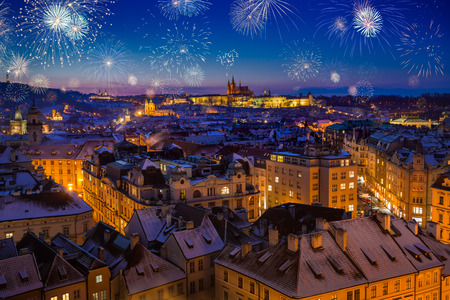 Fireworks During New Years Eve in Prague, Czech Republic 免版税图像 - 89126425