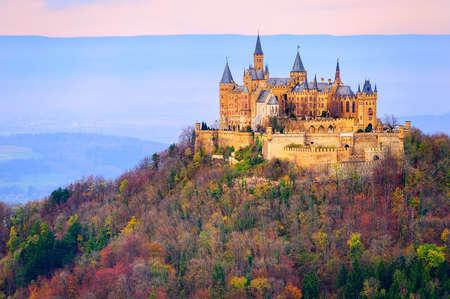 Hohenzollern zámek, Stuttgart, Německo, v časném ranním světle Redakční