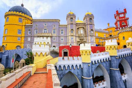 페냐 궁전의 화려한 외관, 신트라, 포르투갈 에디토리얼