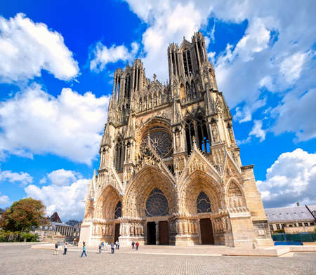 Notre Dame de Reims Cathedral, France, is one of the most important gothic cathedrals in Europe and UNESCO world culture heritage site 版權商用圖片 - 48867390