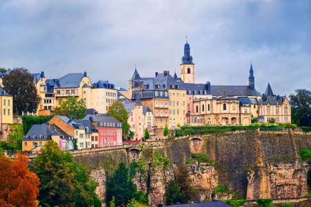 Luxemburg-stad, uitzicht op de oude stad Stockfoto - 48879246