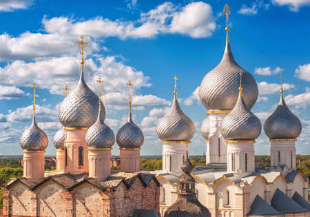 golden ring: Silver domes of traditional russian orthodox church in Rostov Kremlin, Golden Ring, Russia Stock Photo