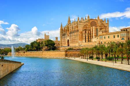 La Seu, la cathédrale médiévale gothique de Palma de Majorque, Espagne Banque d'images - 50304532