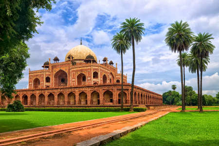 new delhi: Great Mogul emperor Humayuns mausoleum tomb in palm tree garden, New Delhi, India