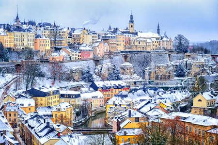 겨울, 유럽에서 룩셈부르크 도시 눈 흰색의 오래 된 마을