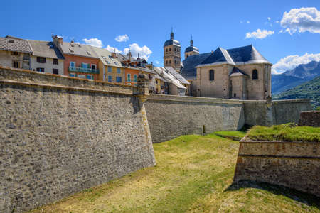 The City Walls of the Old Town of Briancon, built by Vauban, are Unesco World Culture Heritage site. Briancon is the highest city in France. Foto de archivo - 100337805