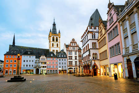 Historical facades on the Main Market square in the Old Town of Trier, Germany. Trier is the oldest city in Germany. 版權商用圖片