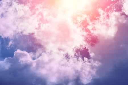 Tło słońca i chmur w pastelowych kolorach Zdjęcie Seryjne