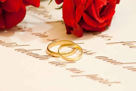 wedding vows: Wedding rings, vows and roses