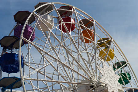 sagrat cor: The Tibidabo Ferris Wheel at the amusement park next to the Temple de Sagrat Cor, Barcelona, Spain. Editorial