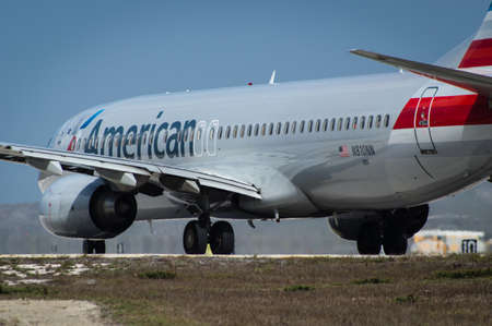 american airlines: CURACAO - FEBRUARY 16: An American Airlines Boeing 737 Editorial