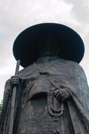 Japans priesterstandbeeld Redactioneel