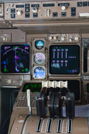 throttle: Throttle controls of Engines Boeing 747 Editorial