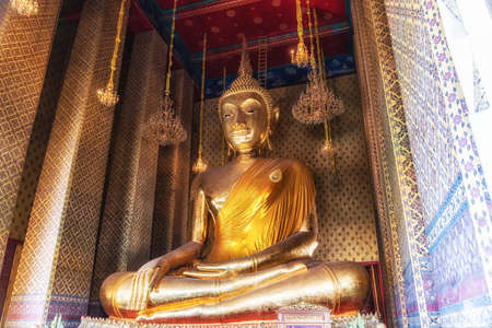 Wat Kalayanamit was founded by a Chinese nobleman who donated land to build the temple. Inside the viharn is a huge Buddha named Phraputtatrirattananayok, 15 meters tall and 11 meters wide Stock Photo