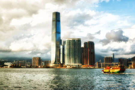Hong Kong, China- Oktober 24, 2016: Skyline of Kowloon peninsula with ICC building standing out from Victoria Harbour in Hong kong