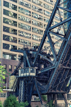 lake district: Kinzie Street Railroad Bridge along Chicago River in Chicago, Illinois, USA