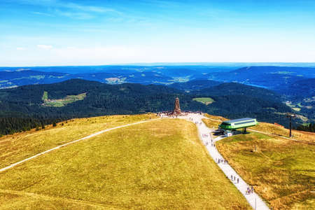 View from the watchtower on the Feldberg, highest point of the black forest at the cable car station and the black forest. Zdjęcie Seryjne