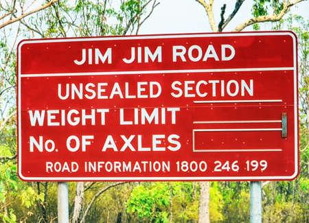 Road sign in kakadu national park,northern territory,australia 스톡 콘텐츠
