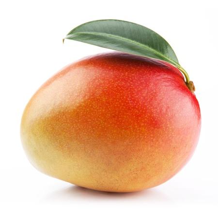 Mango Obst isoliert auf wei�em Hintergrund