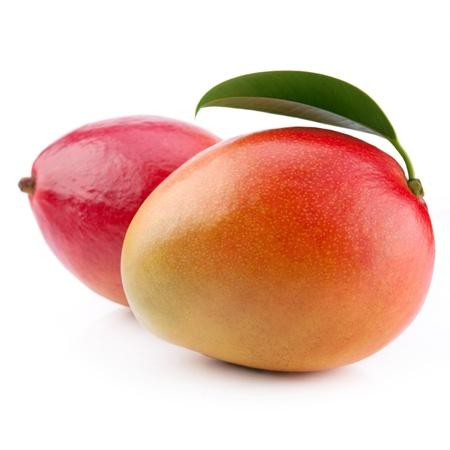 mango: mango owoce na białym tle