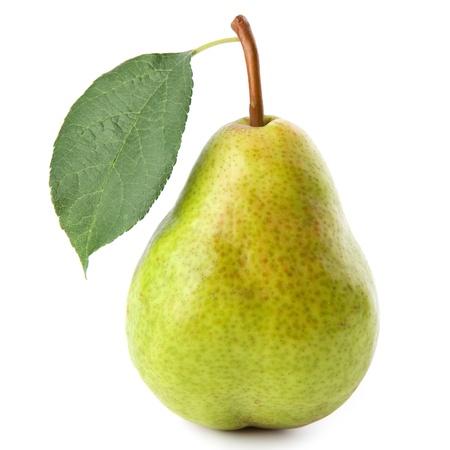 梨: 白い背景で隔離熟した梨
