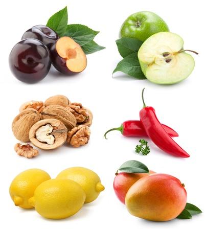 mango fruta: las verduras y las frutas de recogida aisladas sobre fondo blanco