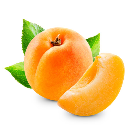apricot jam: Apricot fruits with leaves isolated