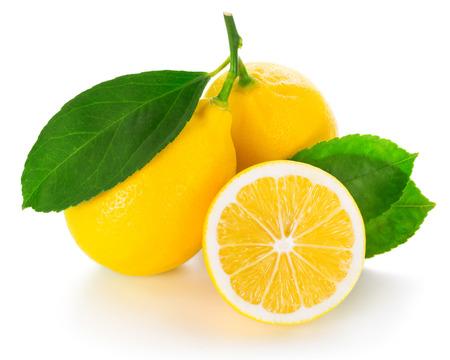 白い背景で隔離のレモン
