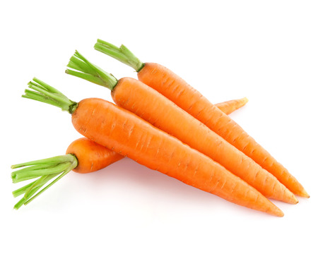 carrot: fresh carrots isolated on white background